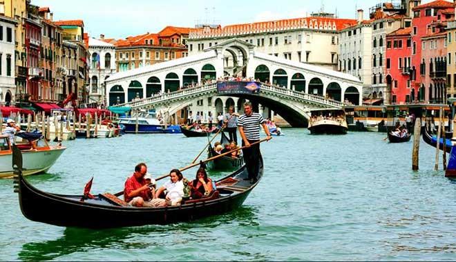 Turistlerden 10 euro 'ayakbastı parası' alacak