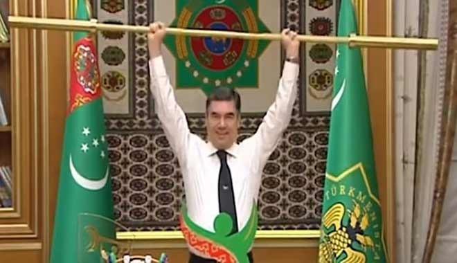 Türkmenistan Devlet Başkanı kabine toplantısında altın halter kaldırdı